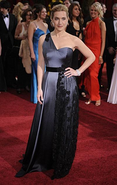 «Лучшая актриса» Кейт Уинслет в платье Atelier Yves Saint Laurent, украшениях от Chopard.